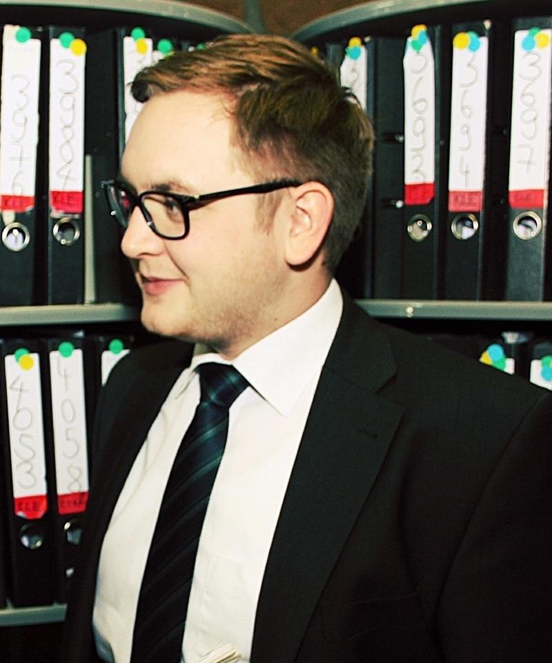 Niklas Freericks, Sachbearbeitung Verbraucherinsolvenzen