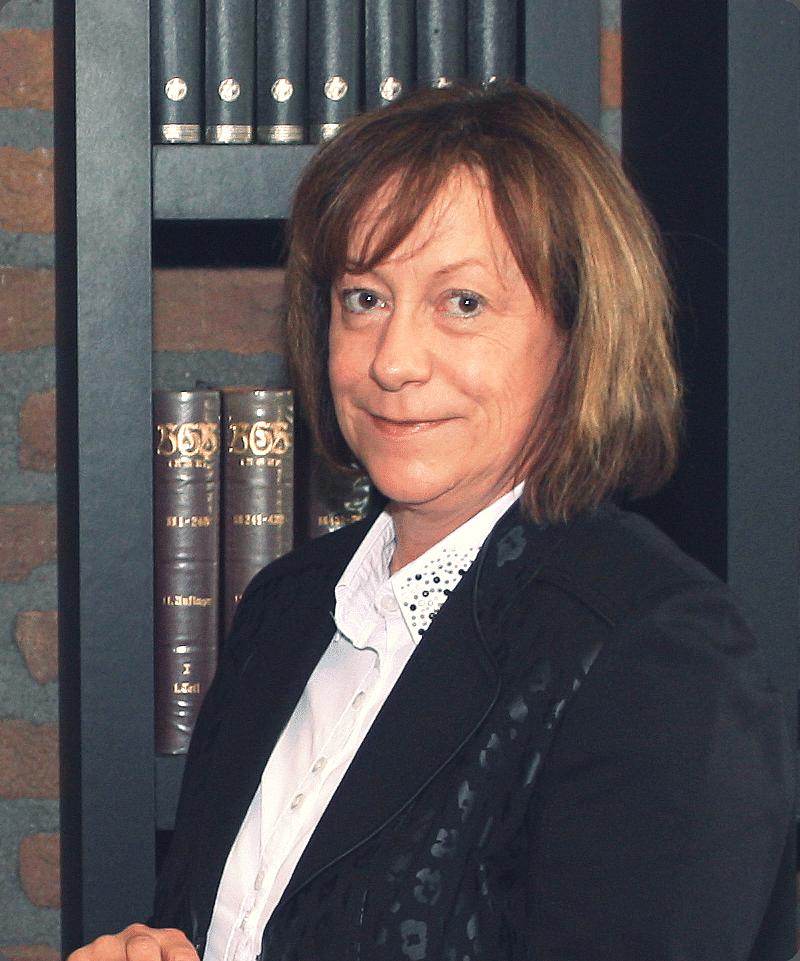 Rechtsanwältin Ria Knibbiche